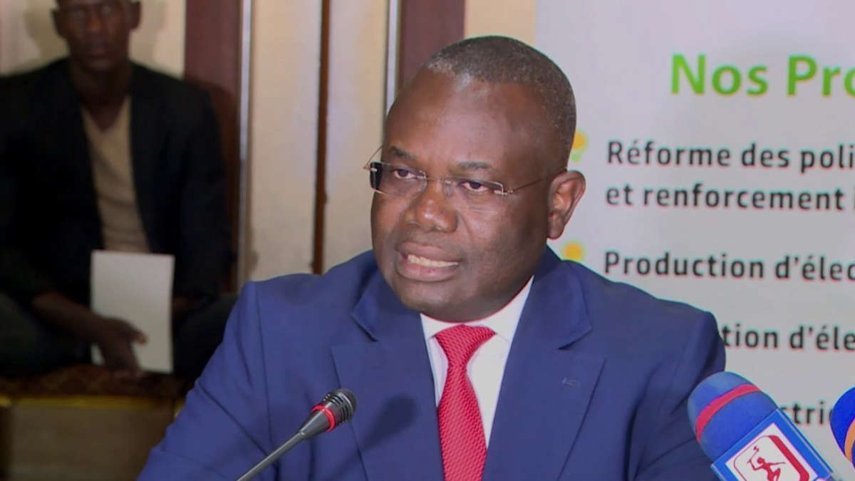 Le ministre Houssou Dona