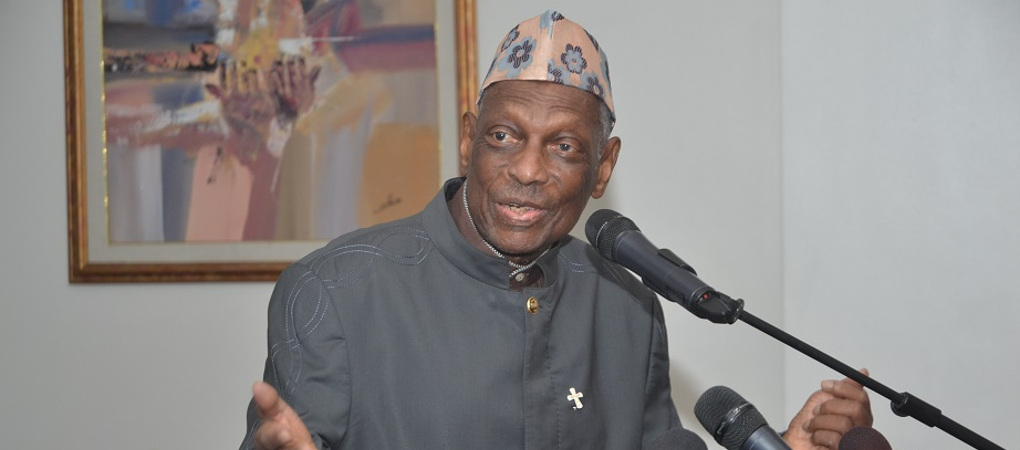 Bénin: Candide Azannaï complimente Tévoedjrè
