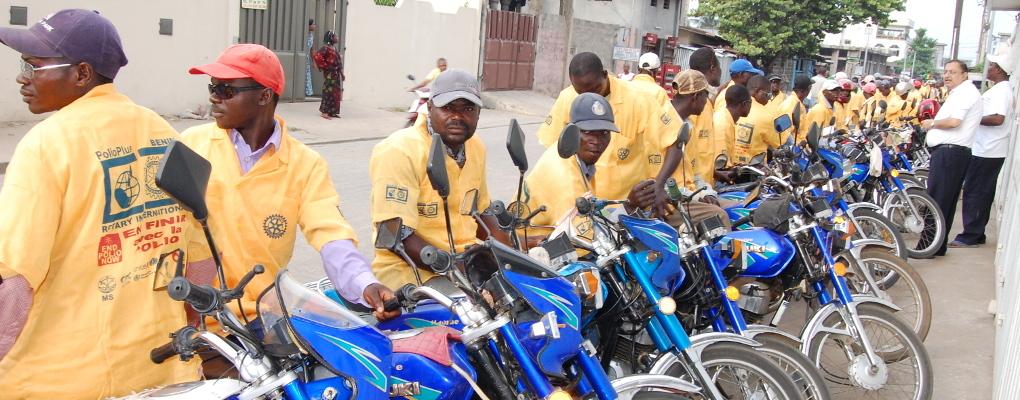 Bénin : Les conducteurs de taxi moto et les femmes des marchés sensibilisés sur les rayons ultra-violets