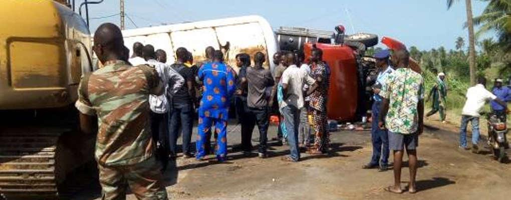 Urgent : Un camion renversé près de Hilacondji
