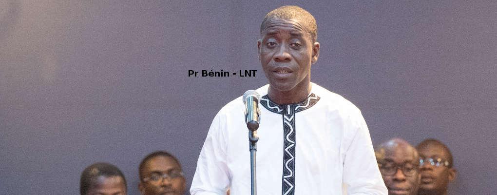 Seme-Podji: Charlemagne Honfo communie avec son personnel