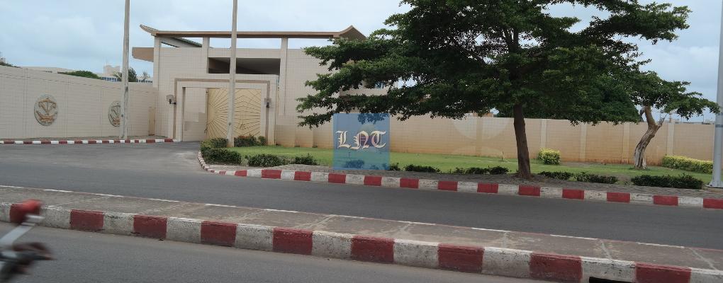 Bénin : Une voiture prend feu à proximité des murs de la présidence