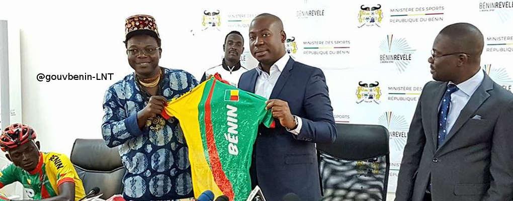 Cyclisme béninois: Romuald Hazoumè présente les nouveaux maillots de l'équipe nationale