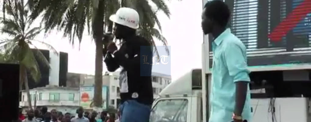 Lutte contre le Franc CFA au Sénégal : un activiste avale un billet de 500 FCFA