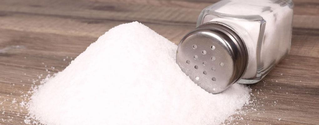 Utilisation excessive de sel: De nombreux risques pour la santé