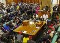 Deux députés accusés de meurtre en Ouganda