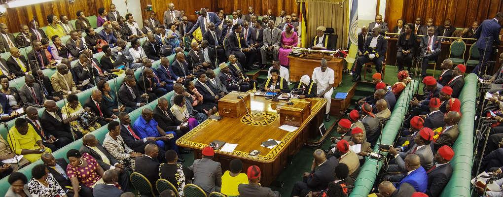 Ouganda : La limite d'âge présidentiel crée la bagarre au parlement