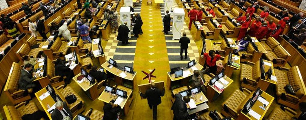 Afrique du Sud: Le parlement autorise l'expropriation des terres sans compensation au profit des noirs