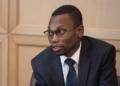 Bénin : Benjamin Hounkpatin vacciné en public pour donner l'exemple
