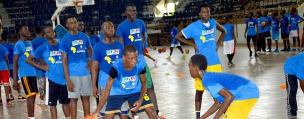 Bénin camp basketball Ian Mahinmi: Une cinquantaine de jeunes à l'école de la balle