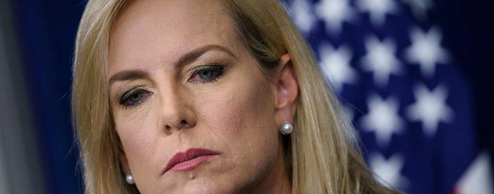 USA : la ministre en charge de l'immigration huée dans un restaurant mexicain