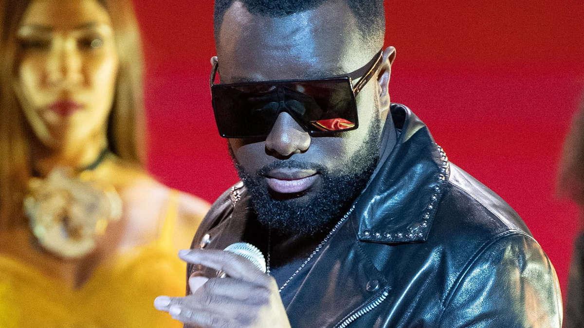 Fuentes : le titre que préparent l'artiste congolais Maître Gims et Rihanna