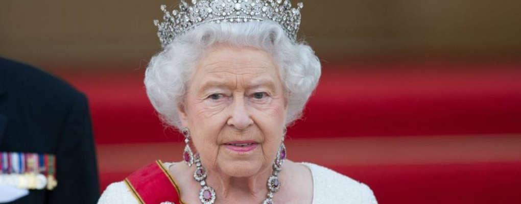 Rencontre avec la Reine Elisabeth II : les faux-pas de Donald Trump