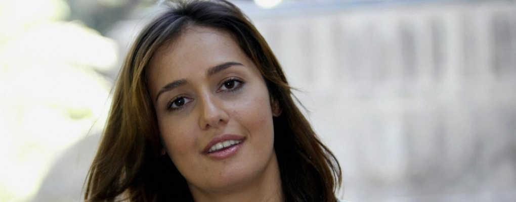 Une actrice égyptienne provoque un tollé après avoir enlevé son voile