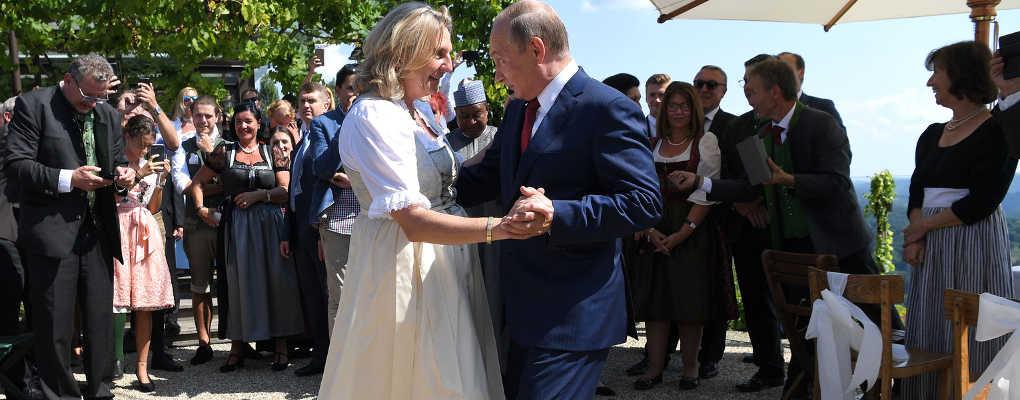 Autriche : polémique après la venue de Vladimir Poutine à un mariage
