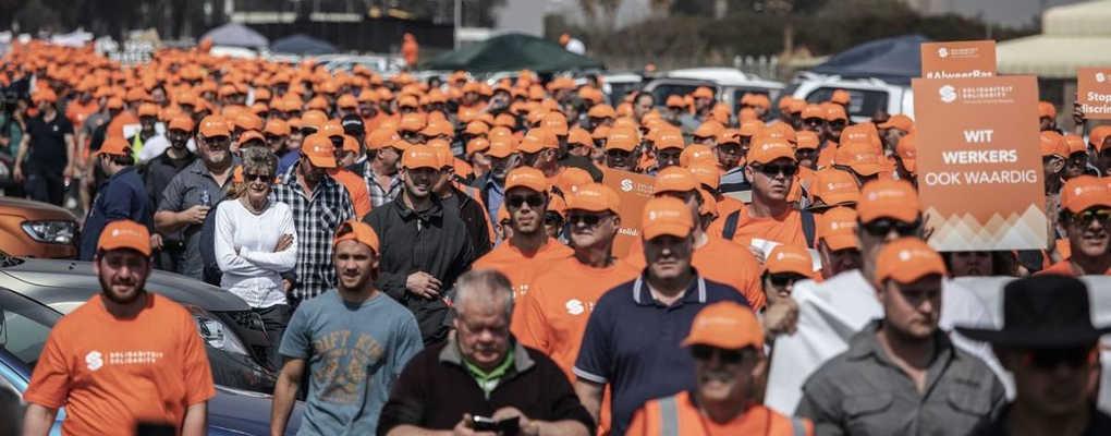 Afrique du Sud : des blancs qui se disent victimes de racisme manifestent