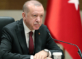 «Insulte» à Erdogan : 4 journalistes de Charlie Hebdo inculpés en Turquie