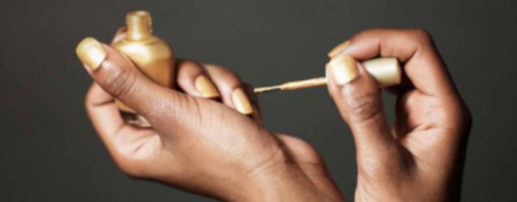 Tanzanie : les faux ongles interdits au parlement