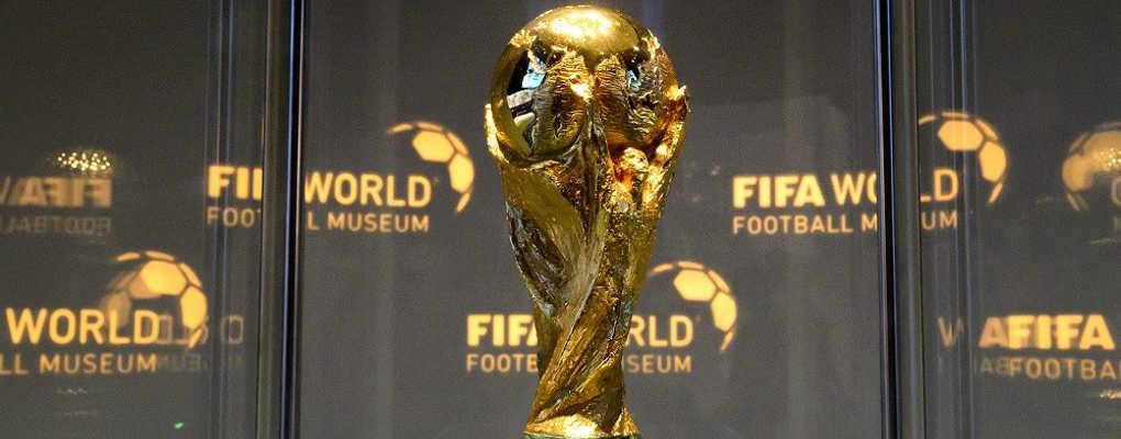 Affaire Benalla : le trophée de la Coupe du monde sème la zizanie