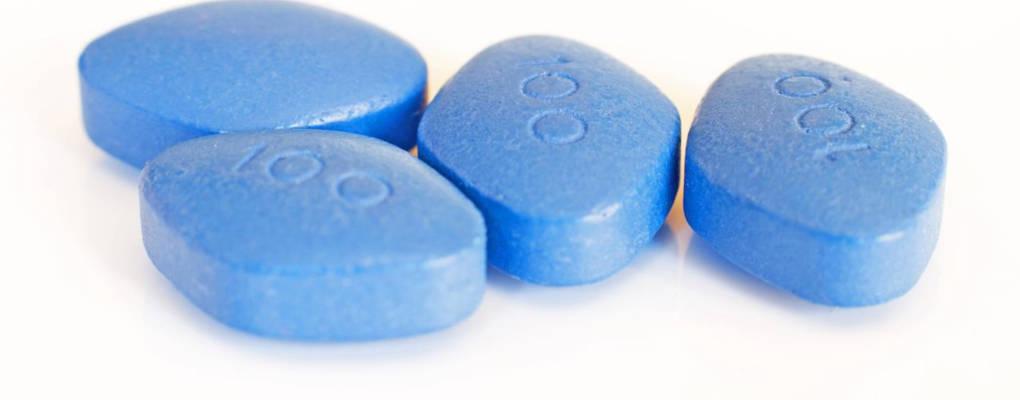 """USA : un jeune homme de 31 ans """"voit rouge"""" après une surdose de viagra"""