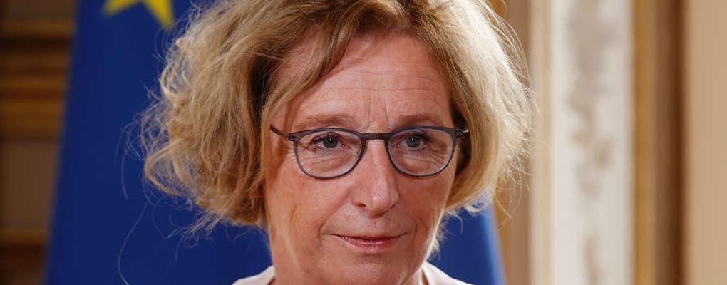Crise des gilets jaunes : le gouvernement Macron appelle les entreprises à augmenter les salaires