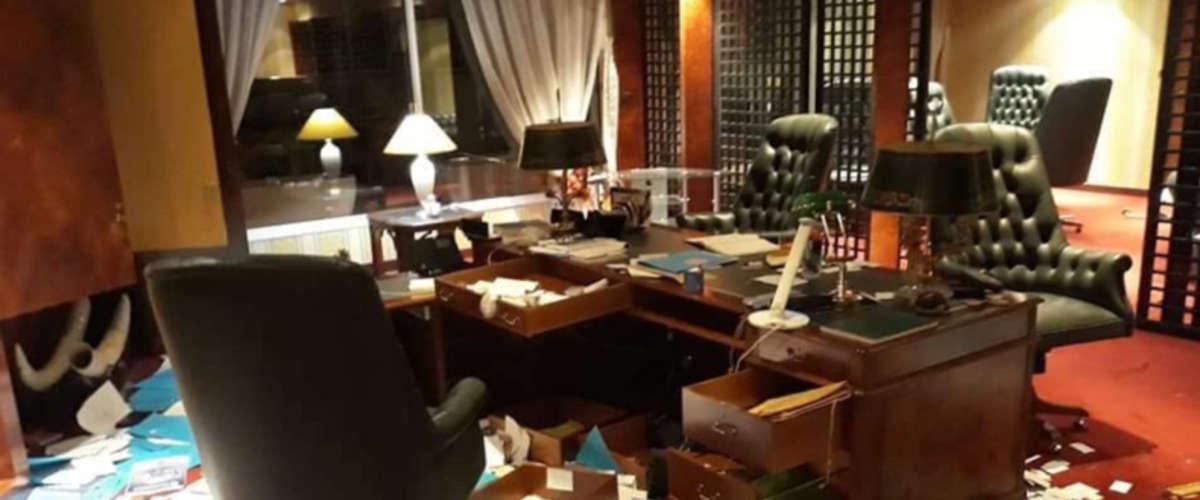 L'intérieur d' l'ambassade