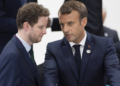 Beaune et Macron (Photo by Eliot BLONDET / POOL / AFP)
