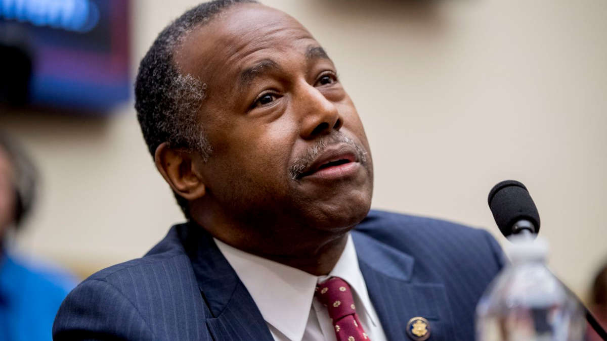 Ben Carson (Photo de ANDREW HARNIK/ASSOCIATED PRESS/ASSOCIATED)
