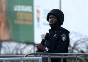 Policier ivoirien (Photo de REUTERS / LUC GNAGO)