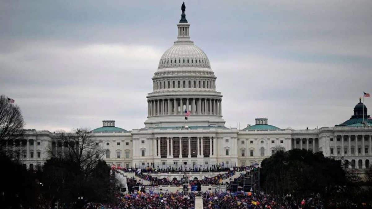 Un policier tué au Capitole, le suspect abattu — États-Unis