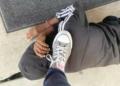 Pied sur le cou d'un élève noir : une enseignante suspendue aux USA
