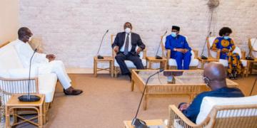 Audience des observateurs de l'UA et de la CENSAD avec le président TALON apres le vote - Photo : PR Bénin