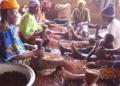(ENQUETE) Filière noix de karité : gros risques pour les femmes, fortunes intéressantes pour les étrangers